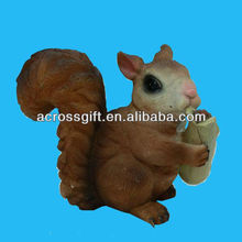 realistic squirrel eatting statue polyresin decoration