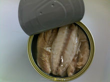 2016 high quality and Delicious China canned mackerel in oil with the best price