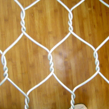 White plastic pvc coated hexagonal chicken fence wire mesh