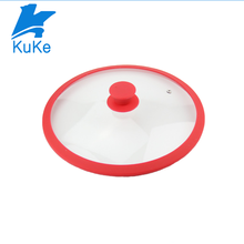 Glass lid for pot with silicone rim