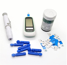 Easy to use blood glucometer set, with case ,bag ,needles ,strips with CE approval