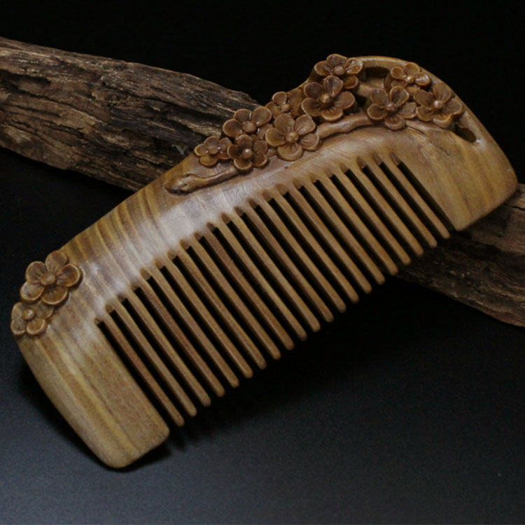 Best Quality Factory Wholesale Wooden Hair Comb Verawood Handmade Sandalwood Natural Green Heart Wood Carved Comb