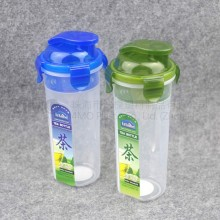 High quality plastic shakes bottle/BPA free Custom Logo Protein Shaker Bottle