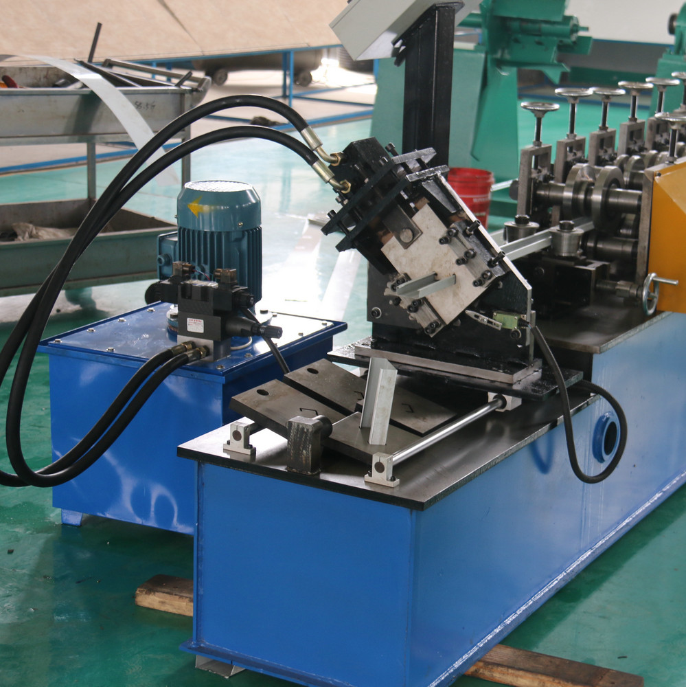 High precision cold metal stud and track roll forming machine