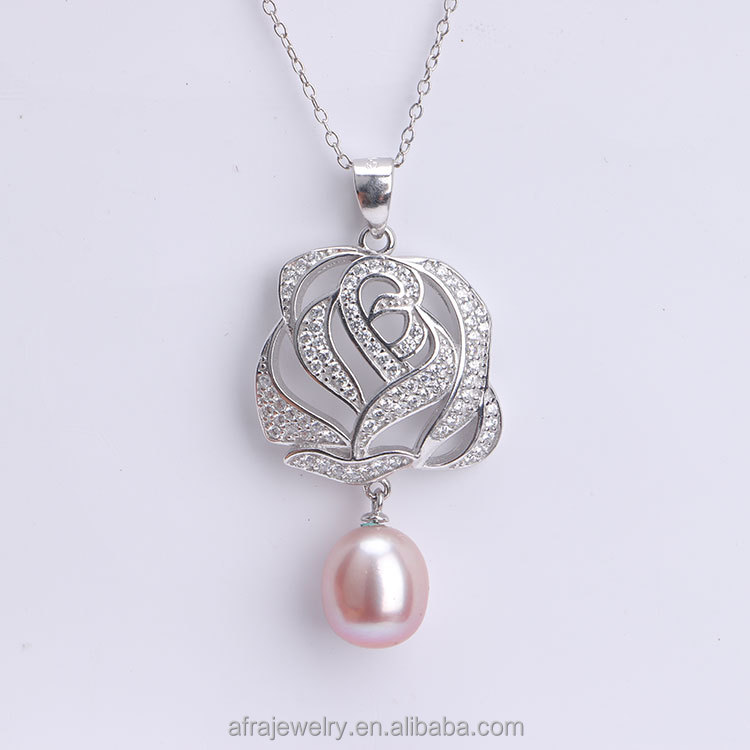 Personalized Big Rose Pendant Necklace Made of 925 Sterling Silver