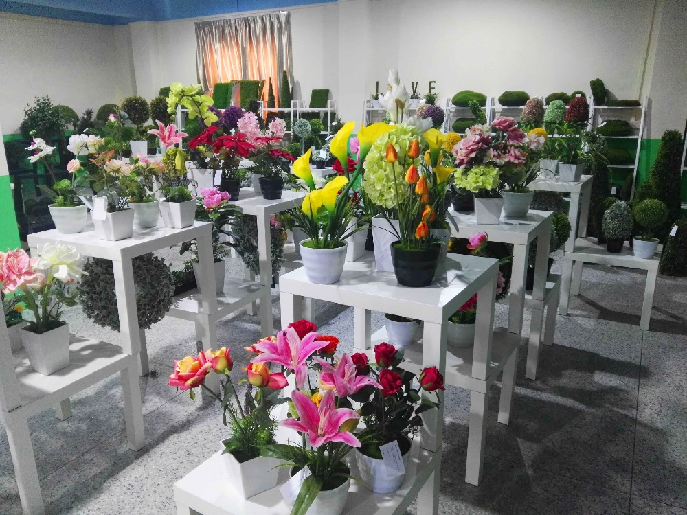 Factory direct beautiful artificial flower cheap wholesale artificial flowers for decoration