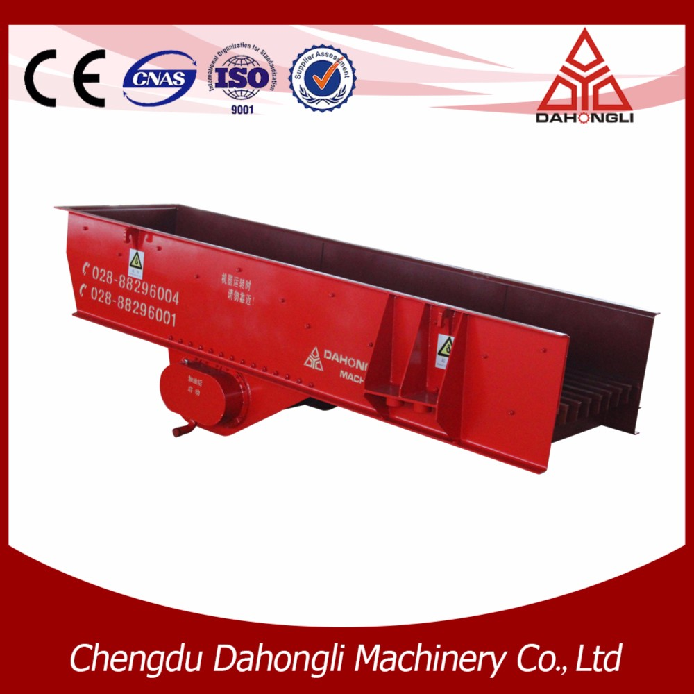Linear vibratory feeders