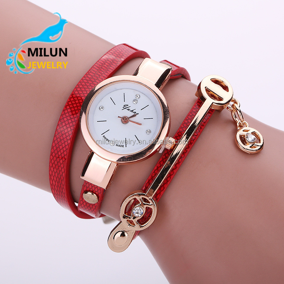 Hot Selling Ladies Fashion Fancy Bracelet Watch Pu Leather Alloy Chain Classic Women Watches