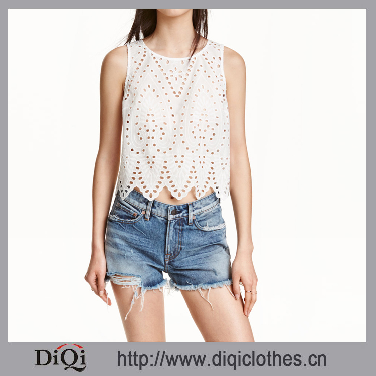 2017 DIQI Women Newest Embroidered Sleeveless Blouse In Woven Fabric With Eyelet Embroidery And Scalloped