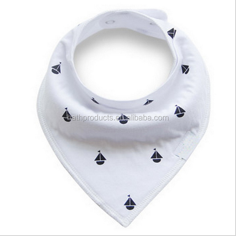 2016 latest hot sale low price wholesale new arrival cartoon baby drool bandana bibs