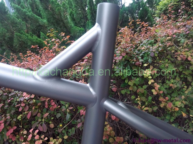Titanium fat bike frame with post mouth brake China Titanium bicycle snow bicycle frame with 142x12mm dropout XACD titanium bike