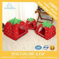 Hot selling frame warm strawberry dog house