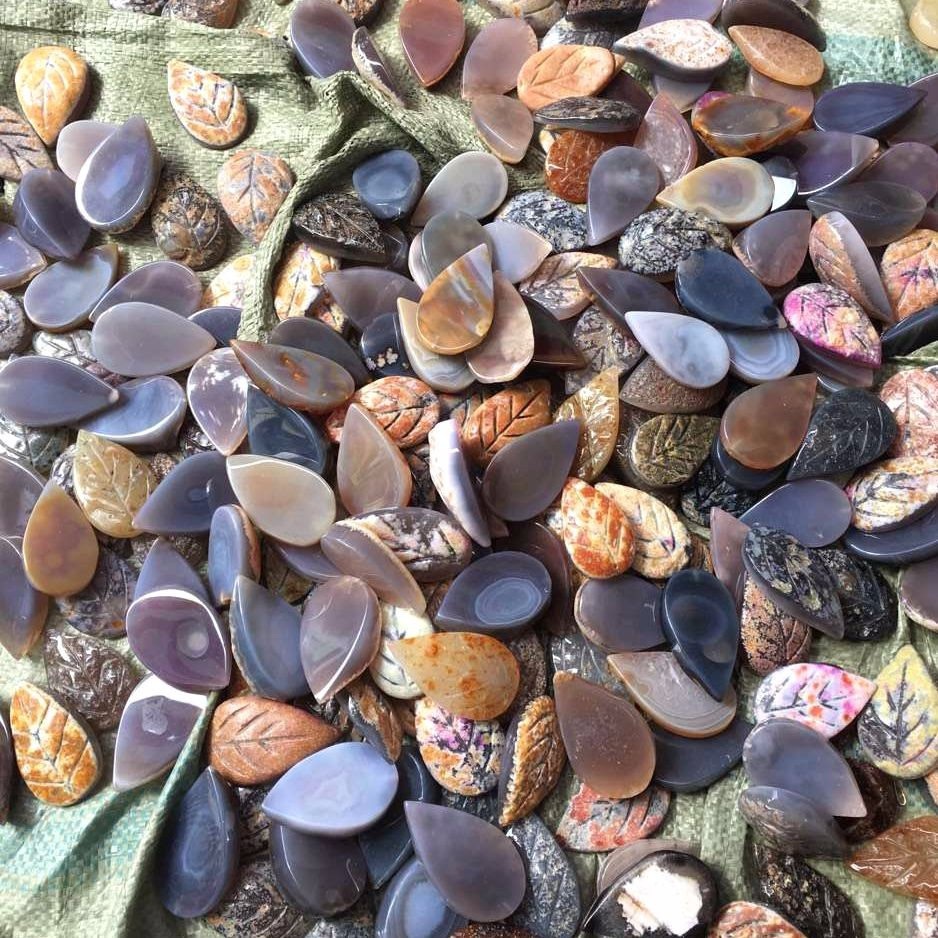 mixed color teardrop agate beads stone faceted leaf shaped gemstone beads DIY pendant for necklace