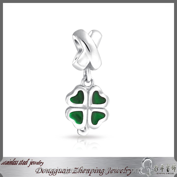New Design Four Leaf Clover Pendant Loving Heart Pendant With Rhinestone