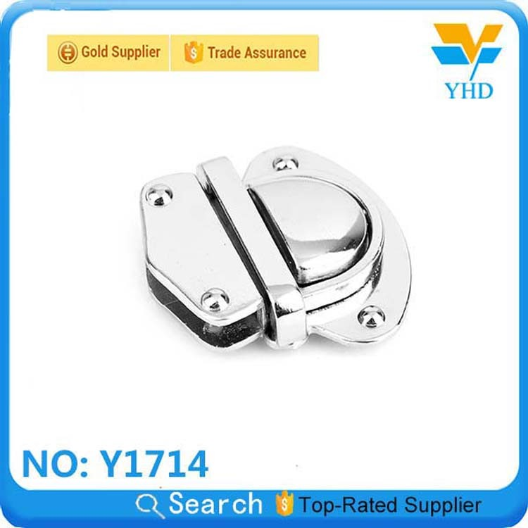 China manufacture handbag hardware metal clip lock wholesale