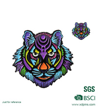 2017 Small gift items tiger design lapel pin Making custom soft enamel painted tiger animal metal emblem with pin