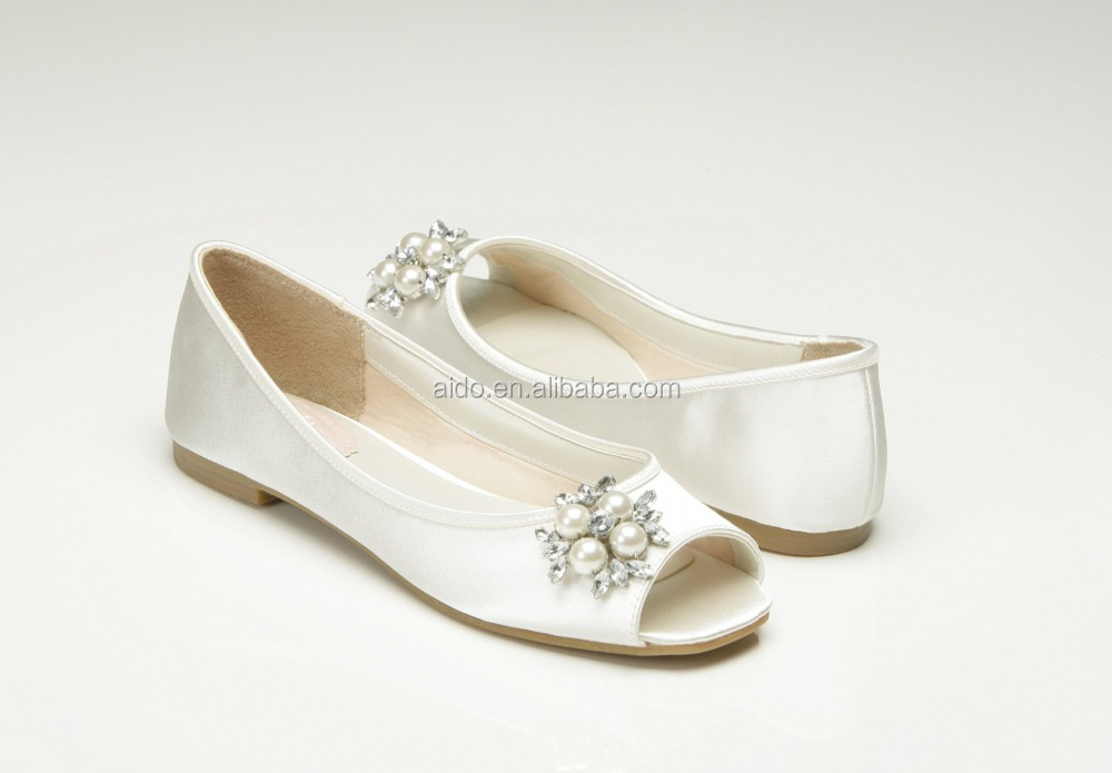 Aidocrystal New satin knot Flat shoes lady dress shoes bridal wedding shoes made in china
