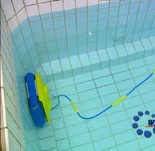 New design aquabot pool cleaner from china