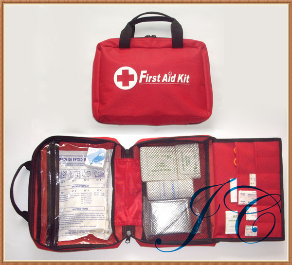 Promotional portable emergency first aid kit bags made in China