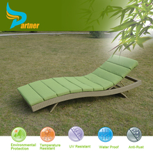 PNT-E-792 Anhui Partner 1.2mm Thickness Alu Frame Class Wicker Synthetic Rattan Sun Lounger