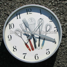 fashion wall clock with fork and knife hands