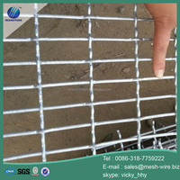 High tensile heavy crimped wire mesh screen