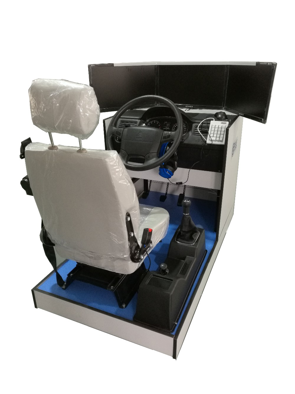 Standard truck driving simulator(3 screens)/Automobile driving simulator for vocational school