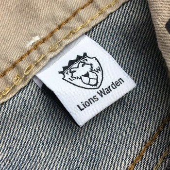 Low MOQ Woven labels for Apparel