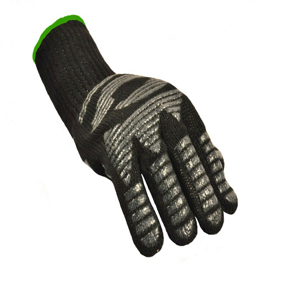 LC High quality outdoor cooking kitchen oven mitts BBQ heat resistant gloves factory sale