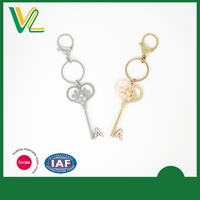 Initial Key with Shiny Crystal Zinc Alloy Key Chain