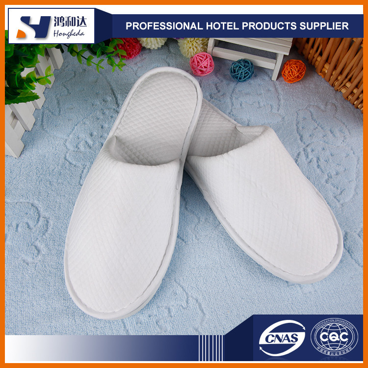 Alibaba hot seller thick sponge sole disposable guest slippers