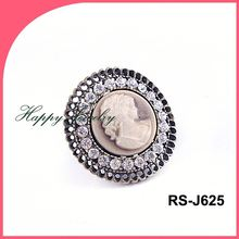 2014 Factory direct sale fashion style round shape rhinestone ring with girl head portrait