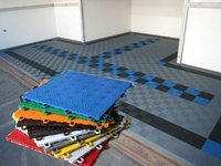 Interlocking rubber flooring tile for piazza