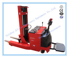 1.5 T Electric Reach Stacker