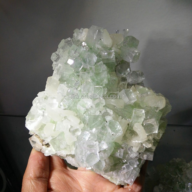 Hot Sale Apophylite Crystal Specimen Natural Crystal Collection Shinning Mineral Crystal Stone Wholesale
