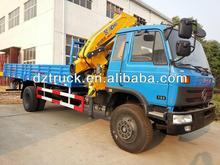 manufacturing Dongfeng 145 4*2 folding arm truck mounted crane outriggers 10 ton