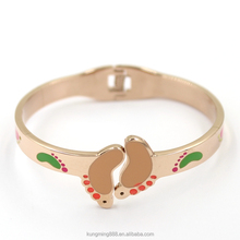 Hot selling cute baby footprint pattern gold cuff bangle bracelets for children