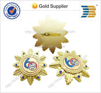 2015 high quality custom made gold plate metal badge, pin badge