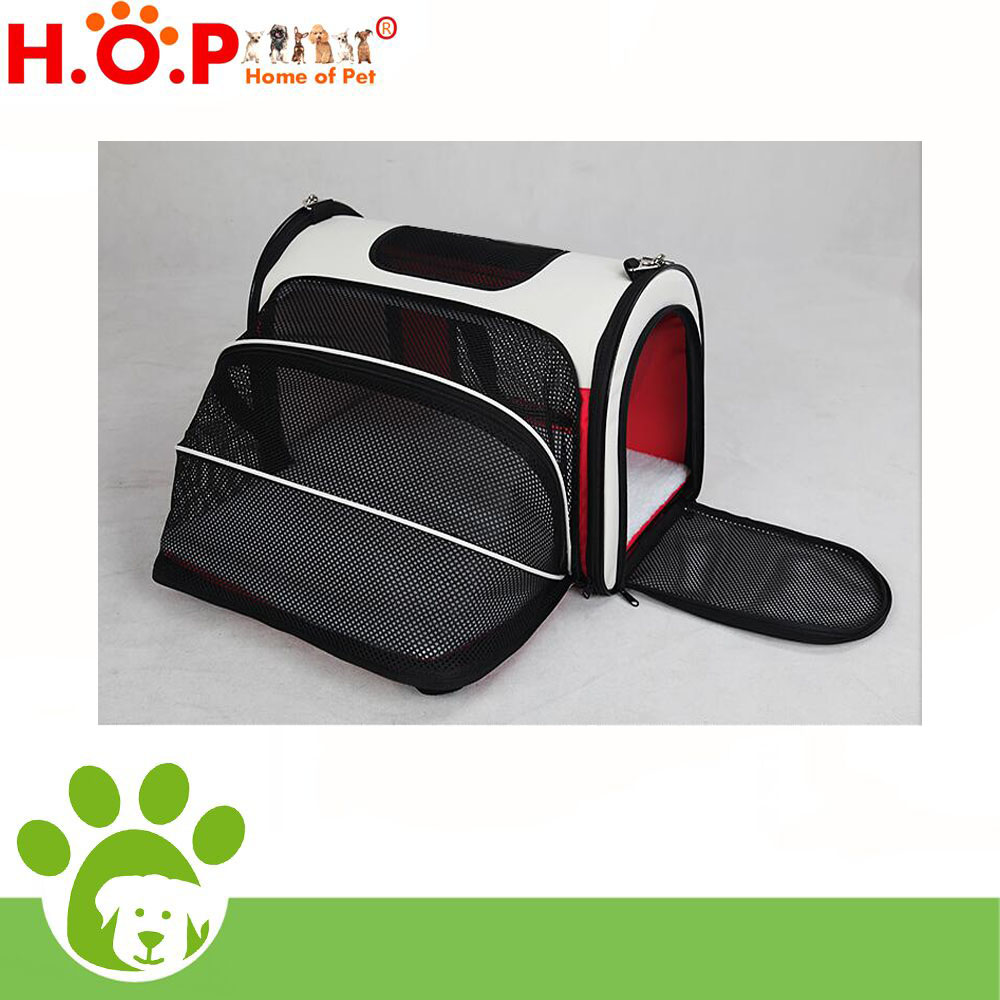 Red collapsible dog kennel/ Pet carrier bag