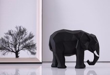 Alibaba promotion abstract small size elephant decoration figurines resin animal for table decoration