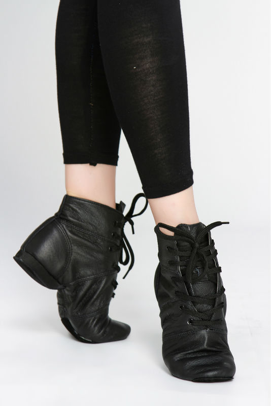 D005777 Dttrol Dance Black Leather Lace Up Jazz Boot