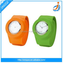 China manufacturer product Silicone wristband watch