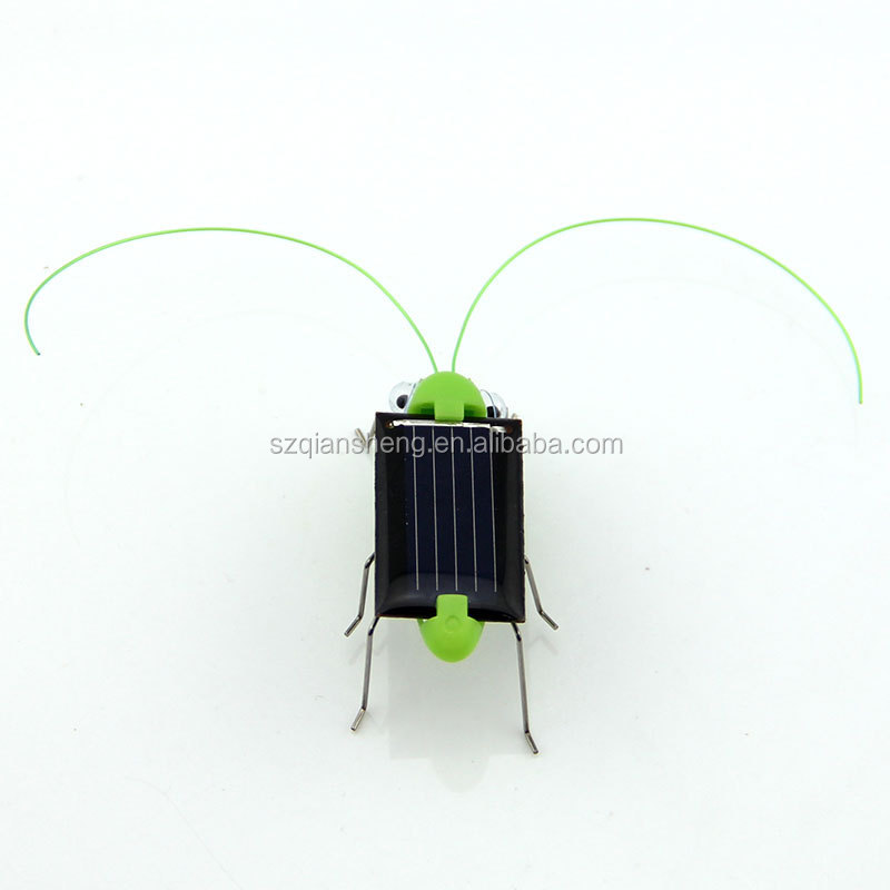 Solar Grasshopper toys plastic electronic toy with solar panel