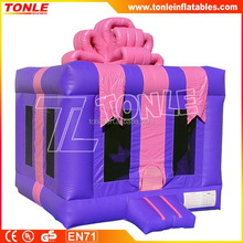 Inflatable Gift Box Bouncer/Christmas Gift box bouncy castle/ Inflatable jump castle