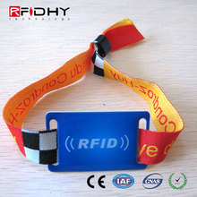ODM/OEM Service Reusable Readable RFID Wrist Band
