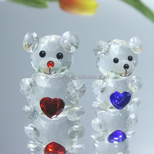 Creative crystal bear with heart glass gift for Christmas or wedding