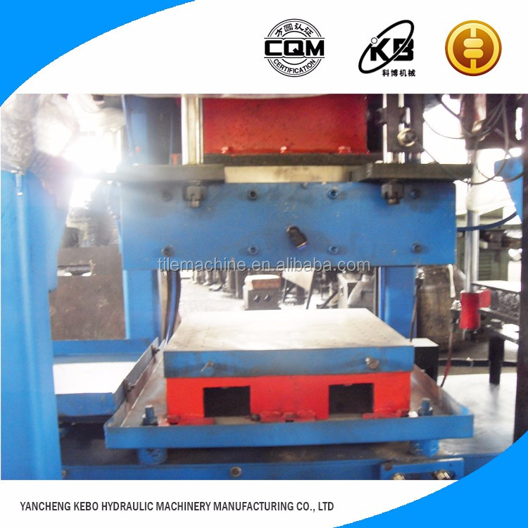 Construction Companies concrete cement Roof tile making machine for sale in China
