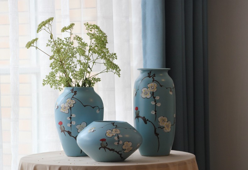 Wholesale Jingdezhen Painting Birds Design Blue Chinese Ceramic Vase