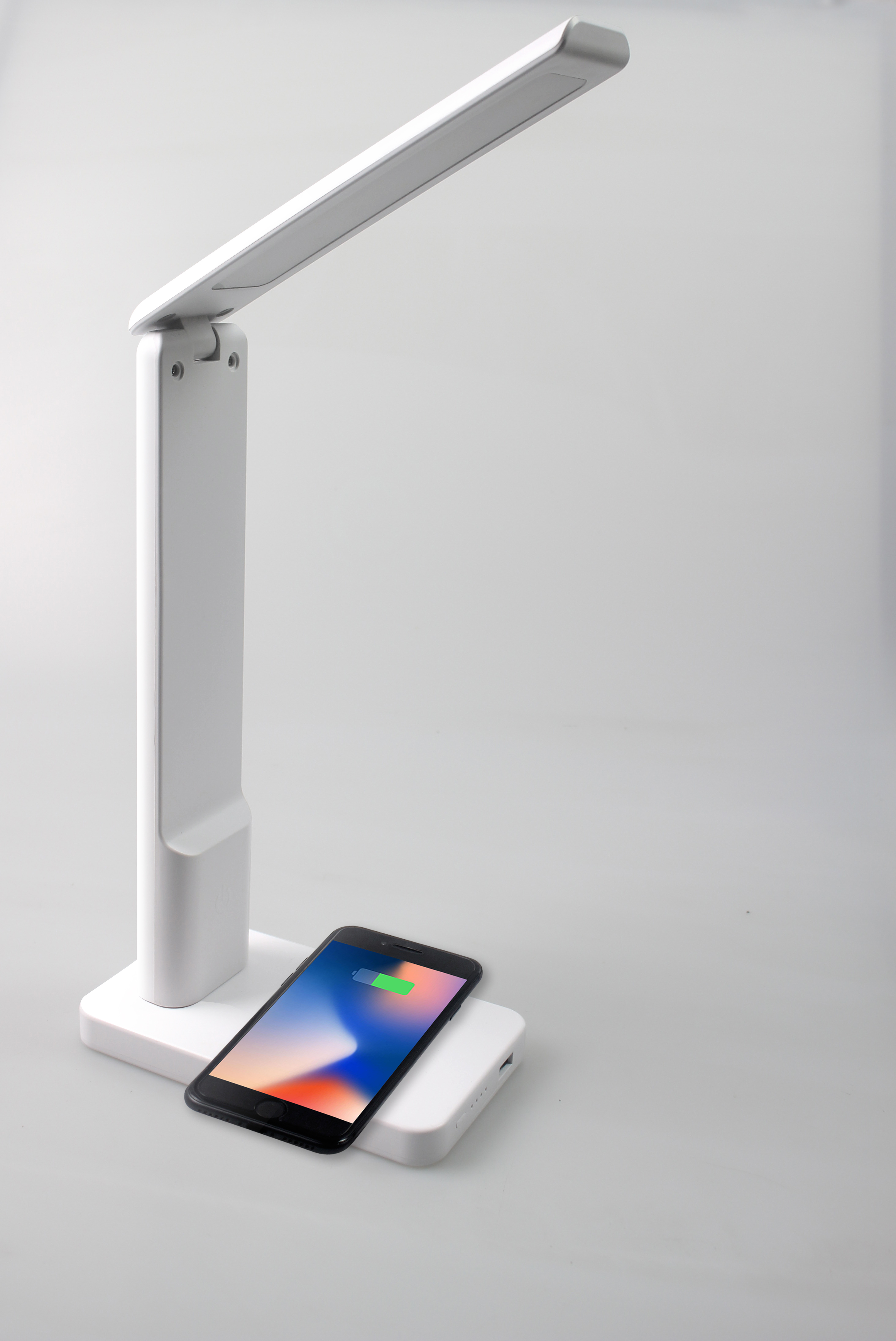 LED Desk Lamp Eye-Protection Fast Wireless Charger USB Charging Port LED Table Lamp