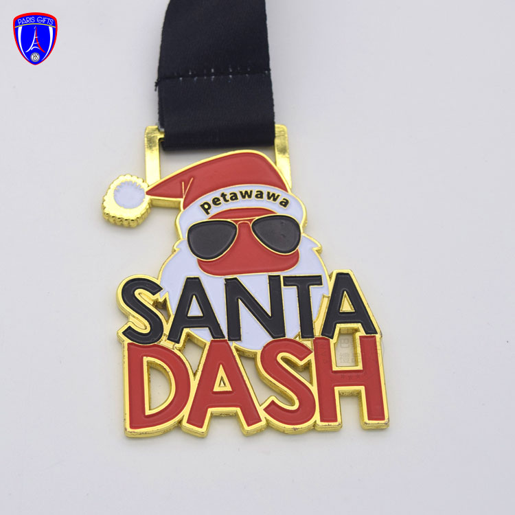 Hot selling engraving Canada SANTA DASH Winter Christmas sports commemorative medal with cut out design for triathlon club